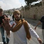 A Hébron, on n'arrête pas les juifs le samedi (Shabbat oblige), même quand ils agressent des palestiniens (972mag)