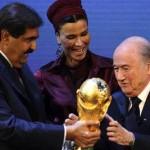 Coupe du monde au Qatar : La FIFA joue la montre (Le Monde)