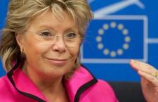 Ecoutes : Viviane Reding propose un service de renseignement européen (Le Monde)