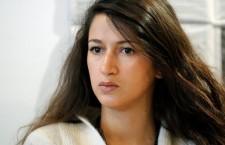 « Si Charlie Hebdo est raciste, alors je le suis » : réponse de Zineb El Rhazoui à Olivier Cyran
