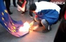 Pourquoi avons-nous brûlé le drapeau de l'Union Européenne ?