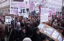 La démocratie est-elle sacrée ? par Zlatko Tishljar