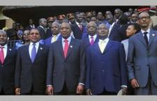 Cinq pays d'Afrique de l'Est se lancent vers une union monétaire (Le Monde)
