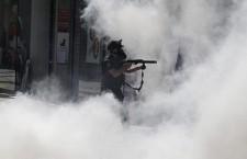 La Turquie autorise la police à utiliser des armes à feu contre les manifestants (InfoLibre.es)